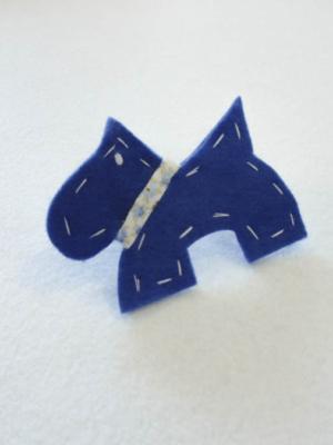broche-con-perro-westie-en-azul-acabados-en-blanco-miscomplementosfavoritos-2