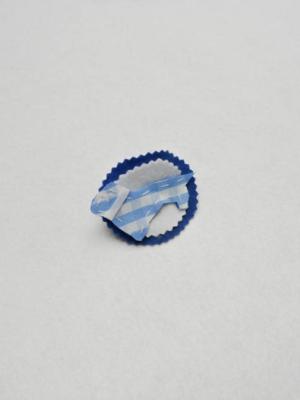 broche-con-forma-de-teckel-en-vichy-blanco-y-azul-y-trasera-bicolor-miscomplementosfavoritos-1.jpg-2