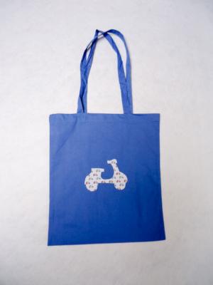bolsa-tote-bag-de-algodon-en-azul-con-vespa-miscomplementosfavoritos-1