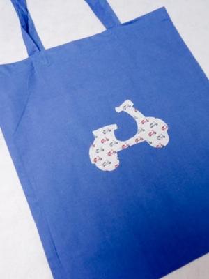 bolsa-tote-bag-de-algodon-en-azul-con-vespa-miscomplementosfavoritos-2
