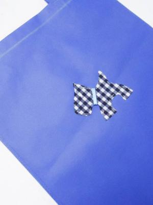 bolsa-totebag-en-azul-con-perro-de-vichy-blanco-y-marino-miscomplementosfavoritos-2