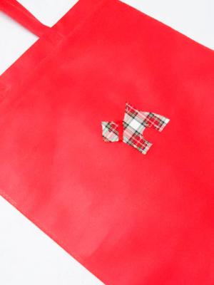 bolsa-totebag-en-rojo-con-perro-de-cuadros-escoceses-miscomplementosfavoritos-2