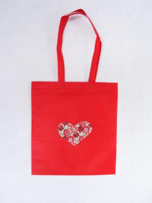 bolsa-tote-bag-en-rojo-con-corazon-de-estampado-floral-miscomplementosfavoritos-1 (2)