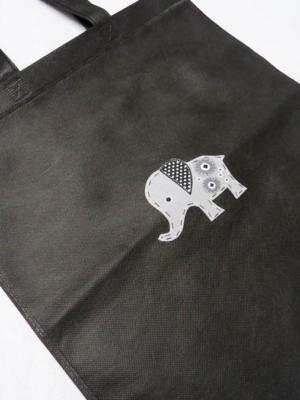 bolsa-tote-bag-en-negro-con-elefante-miscomplementosfavoritos-7